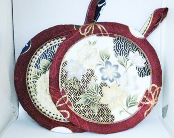 Pair of Handmade Quilted Circle Kitchen Kettle Pads in Red