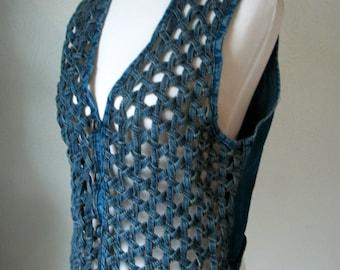 90s DENIM braided net vest - wood buttons - size M L