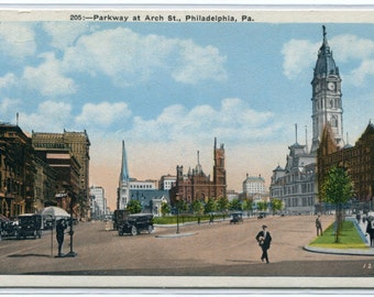 Parkway Arch Street Scene Phildadelphia Pennsylvania 1920c postcard