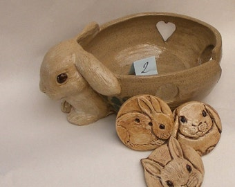 Big Bunny Yarn Bowl Rabbit Stoneware Yarn Bowl Comes With Gifts, Three Big Bunny Buttons