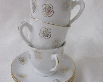 Vintage Demitasse, Set of 3 Demitasse Cups and Saucers, White and Gold, Gold Floral Design, Espresso Cups, Childs Tea