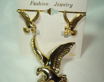 1989 BESt Brand Eagle Pin Pendant and Earrings Combo.