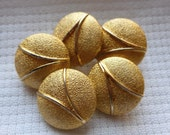 Vintage Gold Buttons, Metal Gold Buttons, Metal gold shanks, 18mm, 1980's, Craft Buttons, Round Buttons, V Pattern, Button Jewelry, 5 in lot