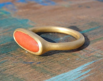 Coral Ring , Red Coral Ring , Gold Coral Ring, Genuine Coral Gold Ring , Oval Coral Ring , Coral Statement Ring , Coral Jewelry