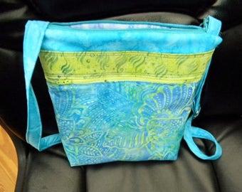 Turquoise Batik Zipper Purse with six pockets