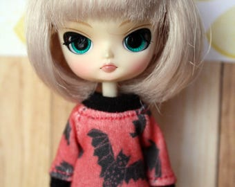Bats Sweater for Petite Blythe and Little Dal