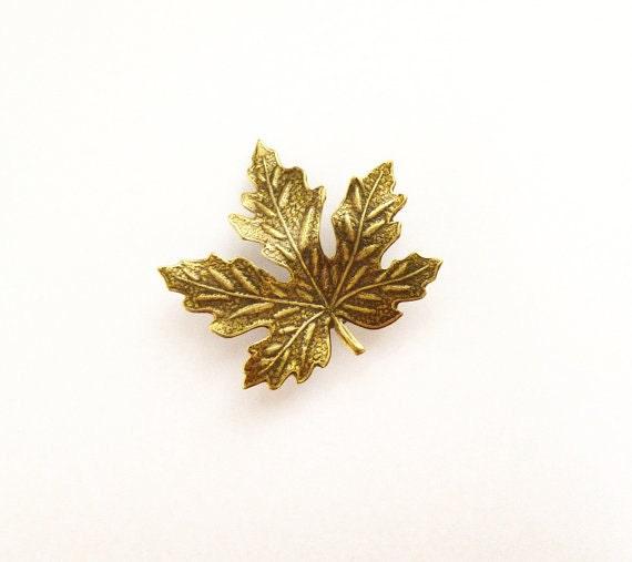 Maple Leaf Boutonniere Tie Tack Lapel Pin Brooch Bridal Bridesmaid Groom Groomsmen Rustic Woodland Wedding Accessories Autumn Fall Gift