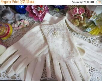 ON SALE Vintage Ladies Gloves-2 pairs of vintage gloves-Pearl Accents