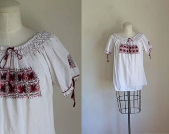 vintage 1960s peasant top - SAFFRON embroidery mexican blouse / S