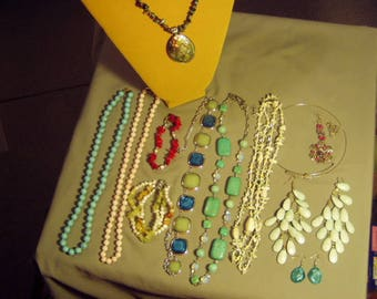 Vintage Lot Stone Pearl Shell Coral Bead 8 Necklaces 2 Bracelets 2 Earrings  9127
