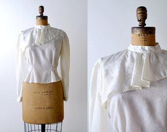 80's ruffled blouse. m. 1980 ivory silk top. collar. embroidered. small. cream. white.
