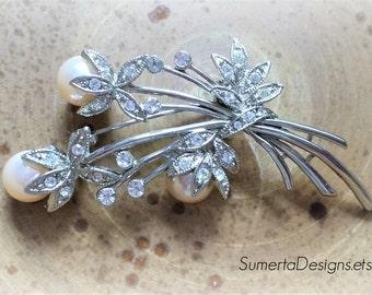 Vintage brooch ~ silver brooch ~ rhinestone brooch ~ faux pearl brooch ~ silvertone ~ jeweled brooch ~ silver and rhinestone ~ floral brooch