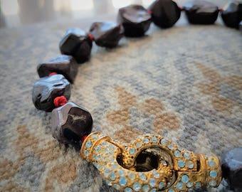 Alta Marea Stones collections Red Granato Stones neclace with gold clasp