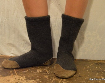 Women's 7 to 8 (EU 37.5 to 38.5) OLIVE Felted Wool Soccasins with Leather Soles, Toes and Heels