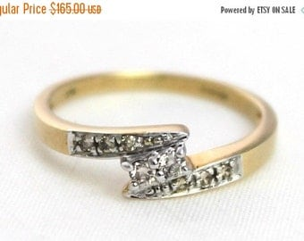 JAN SALE Vintage Ladies Diamond Engagement Ring Yellow Gold 9ct 9kt 9ct 375 | FREE Shipping | Size P.5 / 8