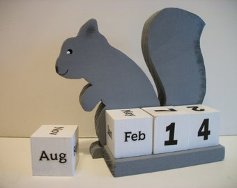 Squirrel Calendar Perpetual  Wood Block Grey Squirrel