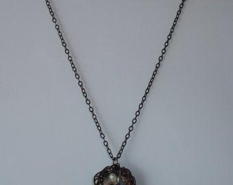 Necklace-Collier pendentif nid d'oiseaux et perles d'eau douce