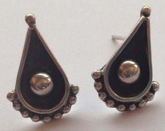 Vintage Silver Black Teardrop Earrings Mexico 925 Bead Ball Design Pierced