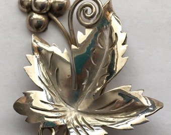 Vintage 925 Silver Grapes and Leaf Brooch Mexico