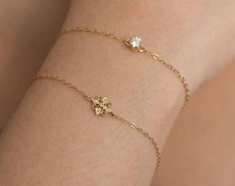Star Bracelet, Small Bracelet, Skinny Bracelet- Jewelry - Bracelets - Sale - Small Wrists - Women's Jewelry - Jewellery - Bracelets - Chain