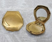 1940s Makeup Compact with powder & rouge compartments - gold tone