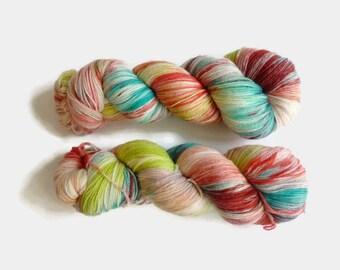 "Hand dyed merino yarn -  Light Fingering 3 ply superwash 19 micron merino yarn, Boniqueta base, ""Summer mood"""