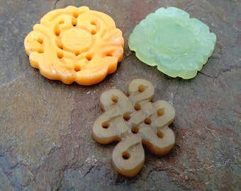 Jade Pendants, Carved, Soocho Jade, 25 to 30mm, Priced per Piece
