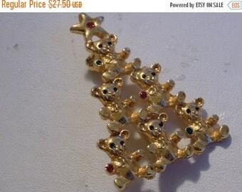ON SALE Vintage brooch, Christmas brooch, teddy bear tree brooch, golden brooch, Christmas jewelry