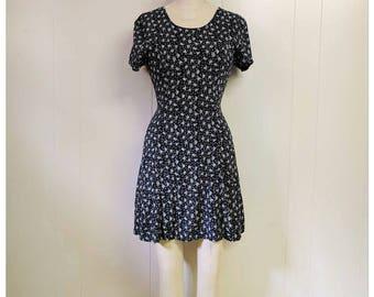 Vintage 1990s black floral summer dress