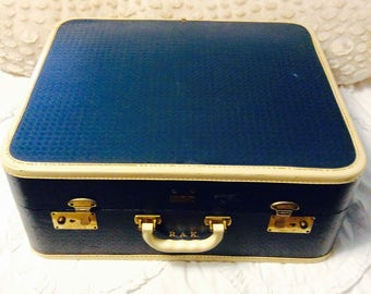 Handsome 1940s Blue Suitcase Vintage Air Pak Makeup Cosmetic Luggage Carry On Storage Case