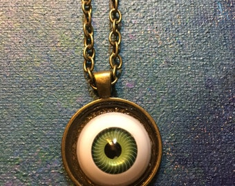 Green Eye Pendant Neckace