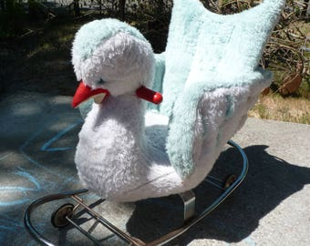 French Vintage Rocking Swan On Wheels - Plush Swan - Made In France By GyGy - Pull Toy - Bascule - Porteur - Roulettes