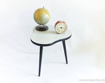 Mid Century Coffee Table / Plant Stand / Tripod Table 50s 60s