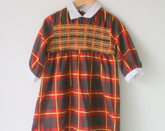 1960s SCHOOL GIRL PLAID Mod Dress....size 6 girls....fancy. children. kids. girls. secretary. librarian. mid century. pleated. holiday. mod