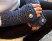 Grey scarf and fingerless glove with heart motif and button