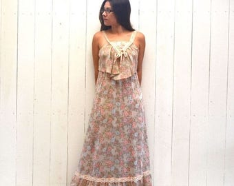 15% OFF - 7 Day Sale Floral Maxi Dress - 1960s Boho Hippie Dress - Vintage Alternate Wedding Gown - Pink Lace - Small S
