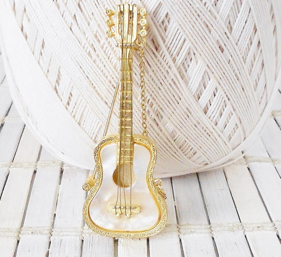 Vintage Mandle Acoustic Guitar Brooch, Music themed Pin, Gold wash & Mother of Pearl, 1960's, Highly Detailed, Rockabilly, Robert mandle