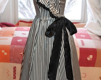 Vtg. Gunnex Sax by Jessica McClintock Dress size 7 USA Black White Stripe