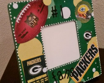 GREEN BAY PACKERS Picture Frame with stand by Mama Duck Creations