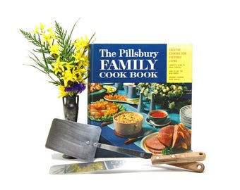 1963 Pillsbury Family Cookbook 1st Edition 5 Ring Binder Recipes 60s Vintage Cookbooks Midcentury Meals Modern Housewife 1960s Food Culture