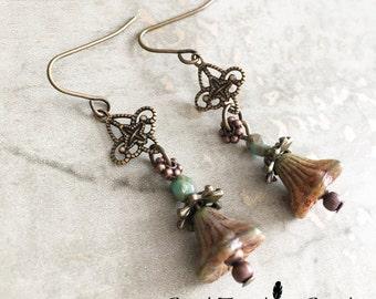 E025  SKY FLOWER Earrings