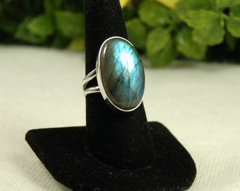 Labradorite Ring, Size 9, Blue Green Flash, Golden Tones, Natural Labradorite, Sterling Silver, Spectrolite, Large Labradorite