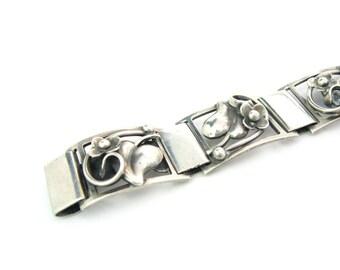 Minimalist Bracelet. Scandinavian Flower Leaf & Vine Links. Danish Sterling Silver. Signed Fir Munksgaard. Vintage 1970's  Nordic Jewelry