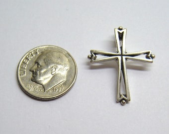 "3-D Vintage Open Work Sterling Cross Pendant by RIO GRANDE  / 7/8"" x 3/4"" / 1.7 Grams, Small Religious Cross / Free Us Shipping"