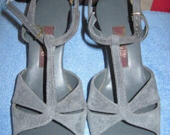 ON SALE! Beautiful Vintage 60's/70's HushPuppies Pewter Open Toe Sandals Leather Low Heel Shoes.8&1/2 N