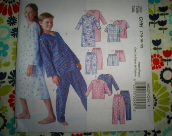 McCalls Easy Boys and Girls Size 7-8-9-10 Pajamas.