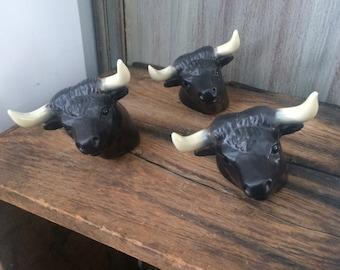 Retro ceramic bulls
