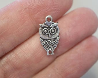 10 Metal Antique Silver Owl Charms - 18mm