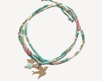 Liberty Bracelet with gold plated swallow and leaf, and an amazonite bead • Bracelet Liberty Hirondelle et feuille en plaqué or, amazonite