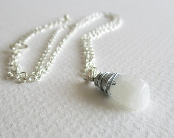 Moonstone gemstone necklace - sleep, love, protection